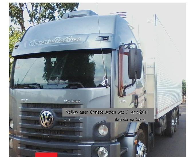 Volkswagen constellation 24250 - 6x2 baú carga seca ano