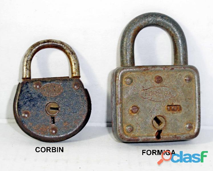 Dois cadeados antigos.Formiga e Corbin.Sem chave