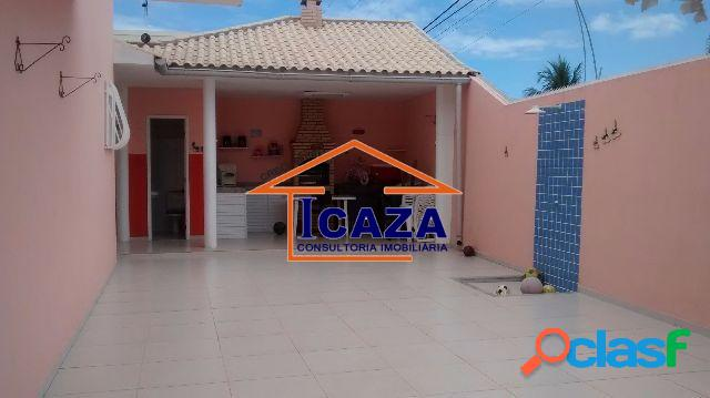 Linda casa em Bairro Nobre de Araruama em frente a Lagoa 1