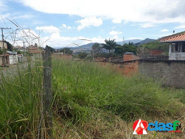 Terreno no bairro Itaubira de ótima topografia