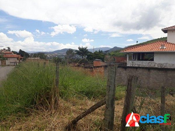 Terreno no bairro Itaubira de ótima topografia 3