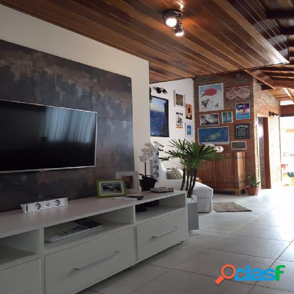 Confortável cobertura 3 dormitórios com 160 m²