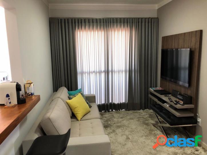 Apartamento em ótima localização, 2 dormitórios, edifício ca