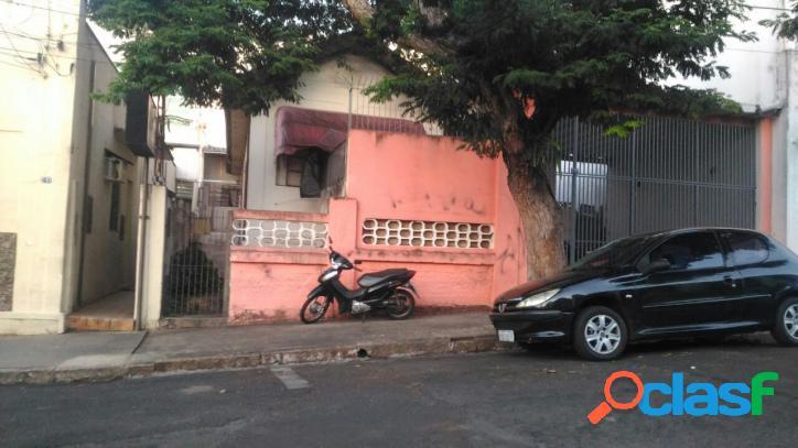 Casa em região central, localizada na rua rubens arruda