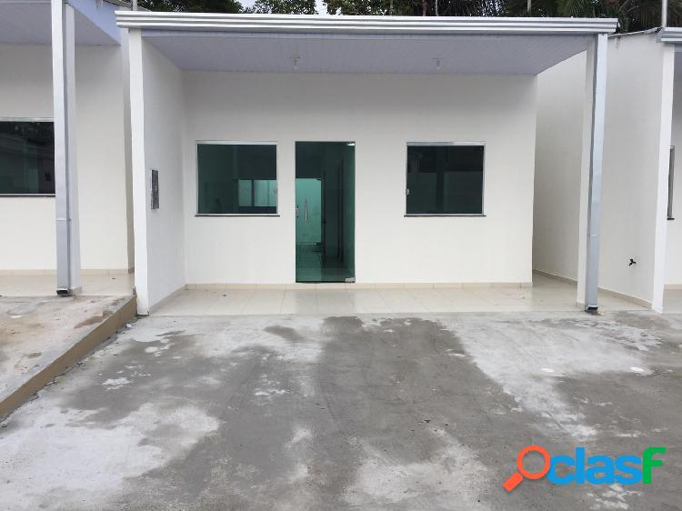 Vendo linda casa com 02 quartos em condominio residencial fechado em colonia santo antonio.manaus, amazonas-am.
