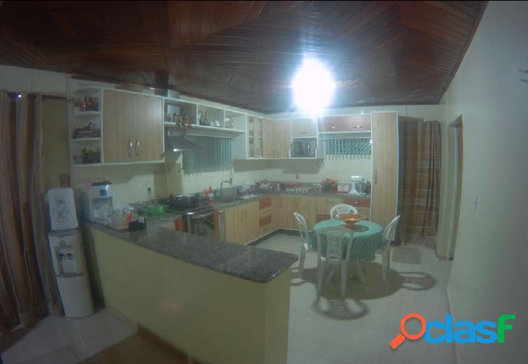 Vendo Linda casa Com 03 Quartos e 01 Suite no Conjunto Shangrilá,Manaus, Amazonas - AM. 2