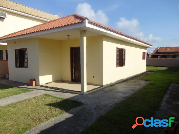 Bela casa nova no condomínio rota do sol