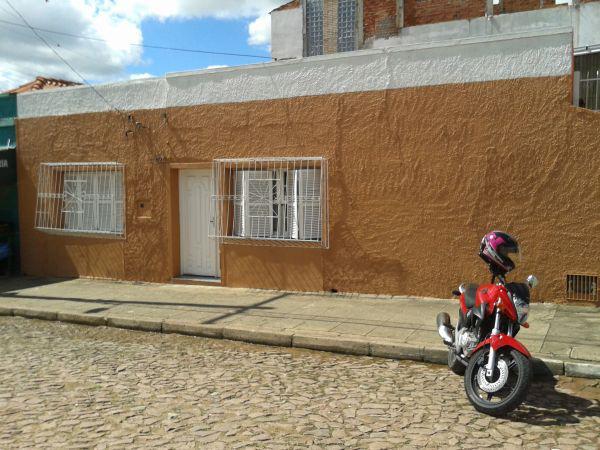 Casa no centro perto da rua dr. pena