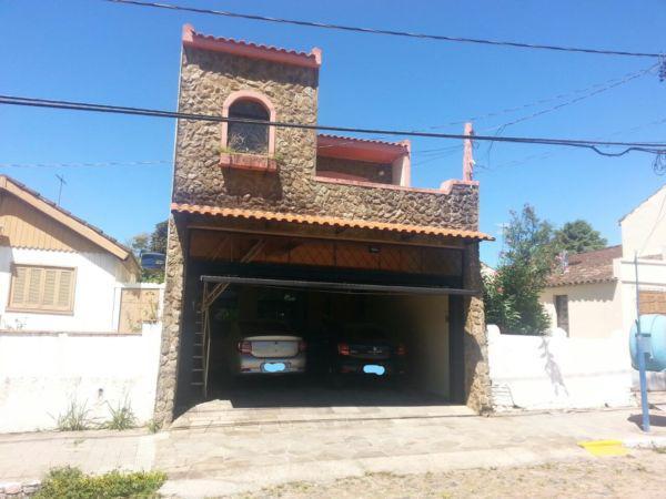 Sobrado alto padrão – 2 garagens – 4 quartos – 4