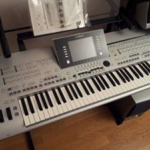 Yamaha tyros 5 / tyros 4 / roland fantom x6/yamaha psr s970
