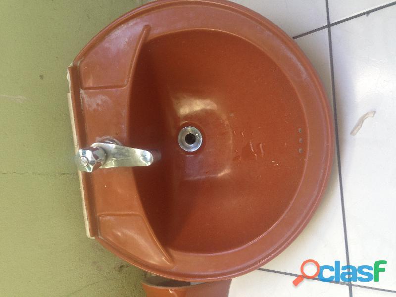 Louça de banheiro jogo vaso sanitári com a tampa pia com a coluna ótimo estado semi novo cor grená