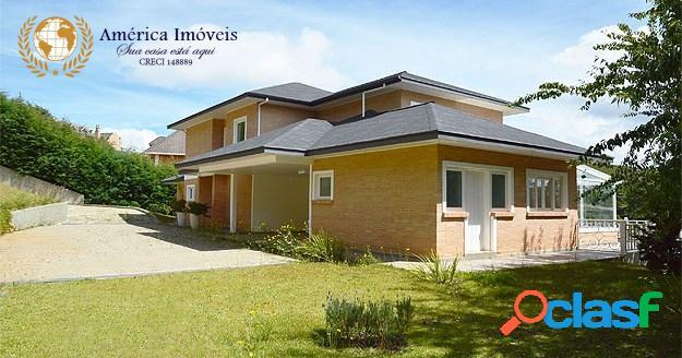 Bela casa no renomado condomínio residencial ecológico