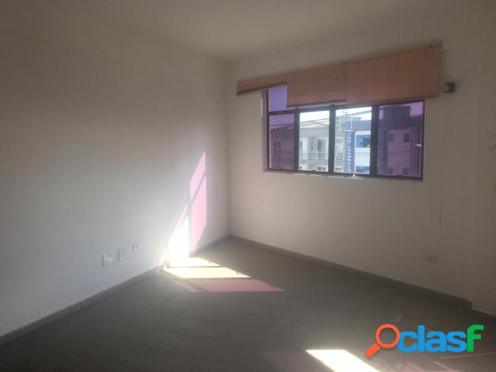 Aluguel de sala comercial 43m² na Praia Grande 1