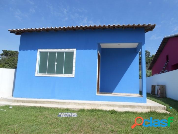 Casa em condomínio, 3 quartos em são pedro da aldeia
