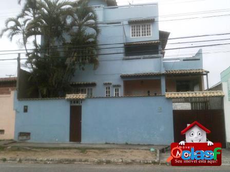Triplex de 06 dormitórios no centro de S. P. da Aldeia.