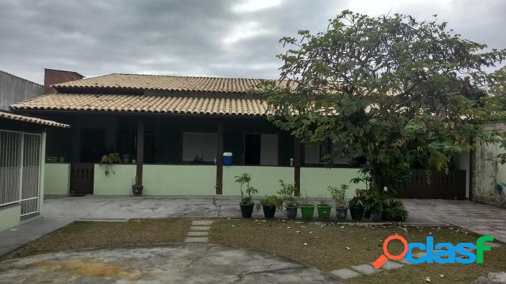Casa com 4 quartos, 1 suíte,Parque Burle em Cabo frio/RJ.