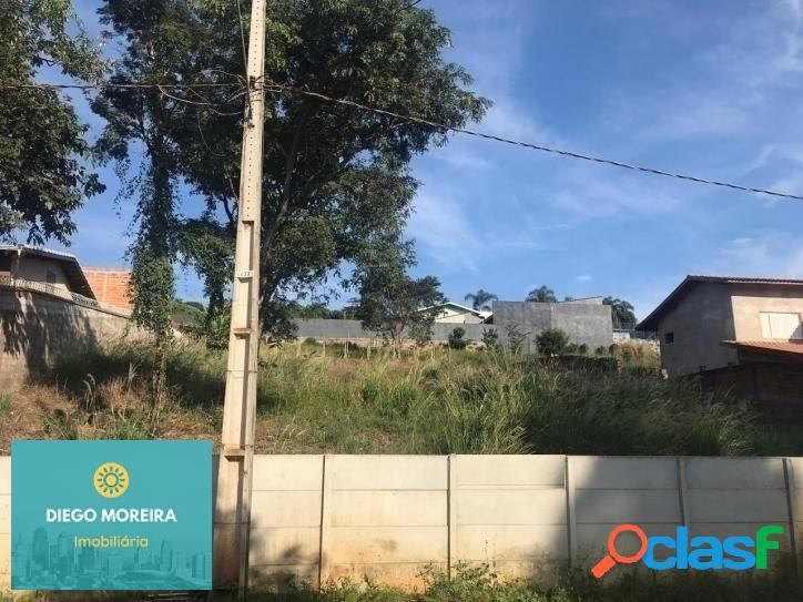 Terreno á venda em Atibaia com vista para Pedra Grande