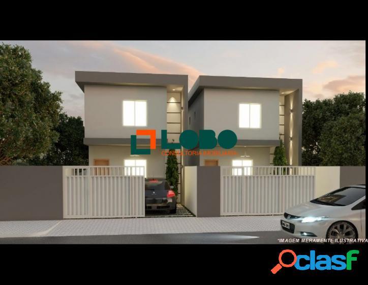 Casa duplex em obra, aceita financiamento.