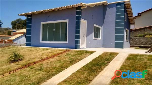 Excelente casa independente em condomínio fechado !!