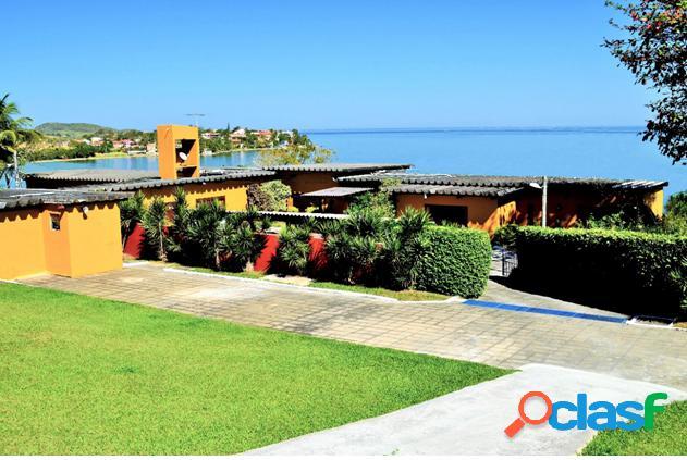 Excelente casa independente frente a praia !!