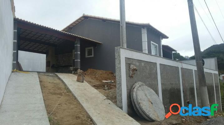 Casa linear em condomínio fechado !!