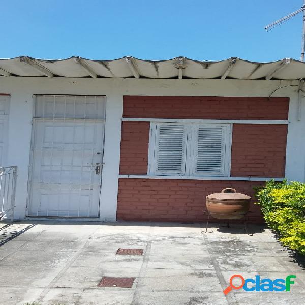 Casa linear em condomínio !!!!