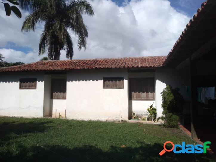 Excelente terreno de 595 m² com casa linear !!!