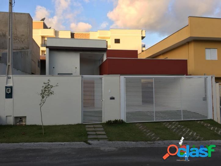 Casa moderna no bairro quinta das videiras