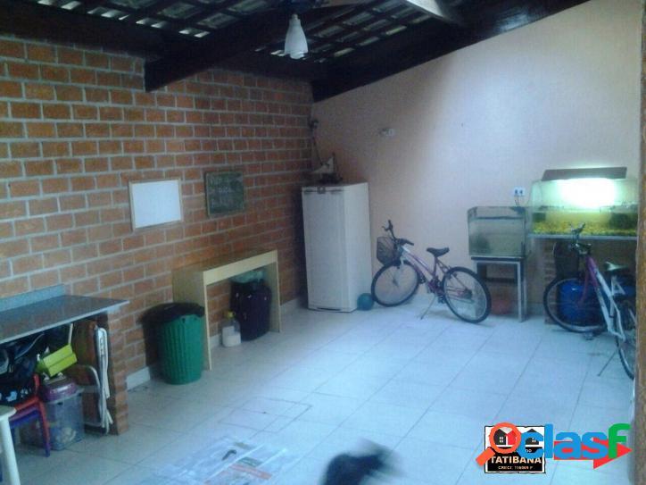 Casa com 3 dormitórios, 5 vagas na garagem e lazer completo