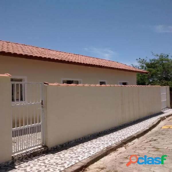 Casa 2 dormitórios 1 suíte em mongaguá
