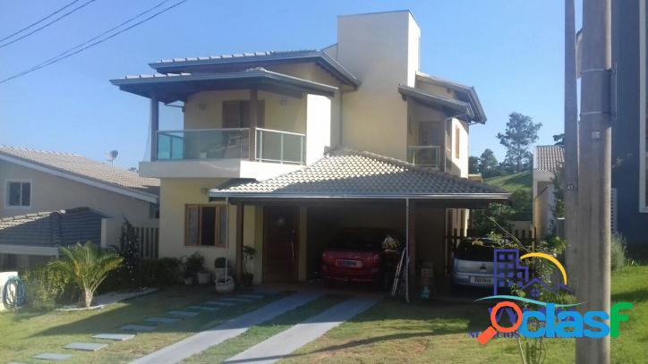 Excelente casa em condomínio - 200m² - 3 dorm - 1 suíte