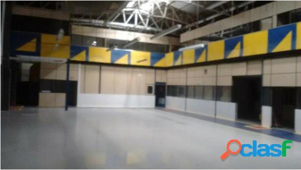 Galpão industrial com 800 m² terreno e 1150 m² de construção