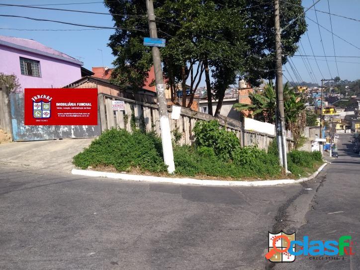 Terreno de esquina com 367 m2, localizado na vila guacuri