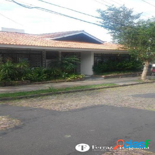 Casa comercial ou residencial no bairro três figueiras