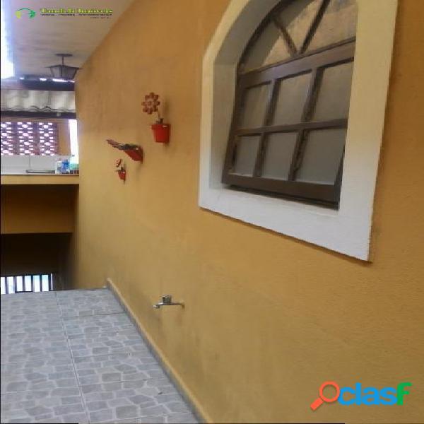 Casa assobradada, 2 dormitórios, vila progresso