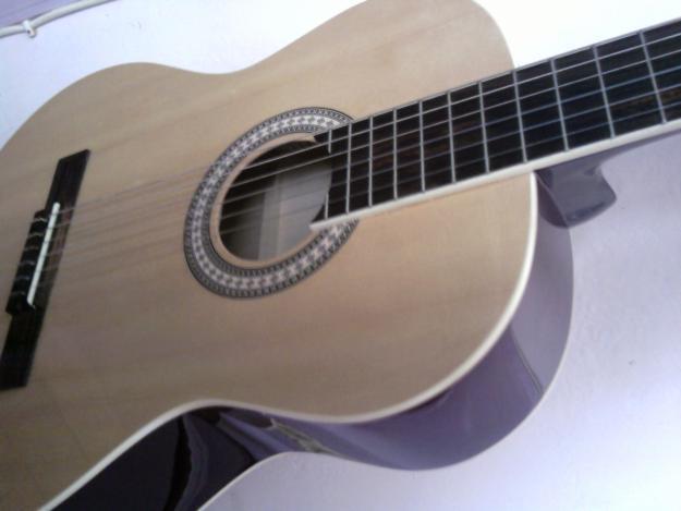 Aula de violão e guitarra zona norte parada inglesa