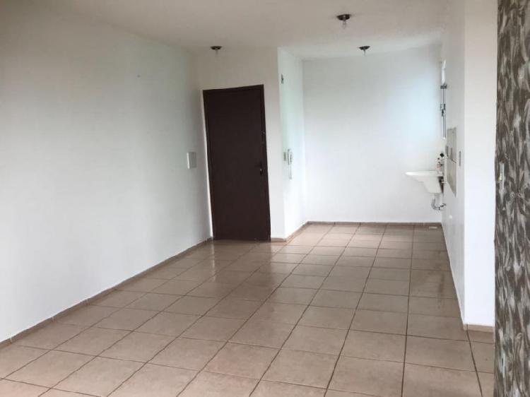 Aluga-se apartamento com dois quartos no bairro villa real.