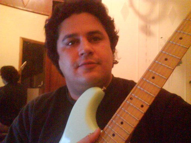 Aulas de guitarra / violão e baixo