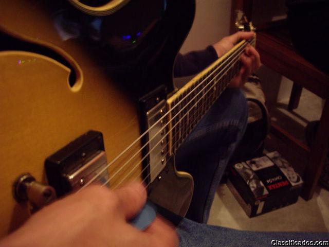 Aulas de guitarra e violão para iniciantes.