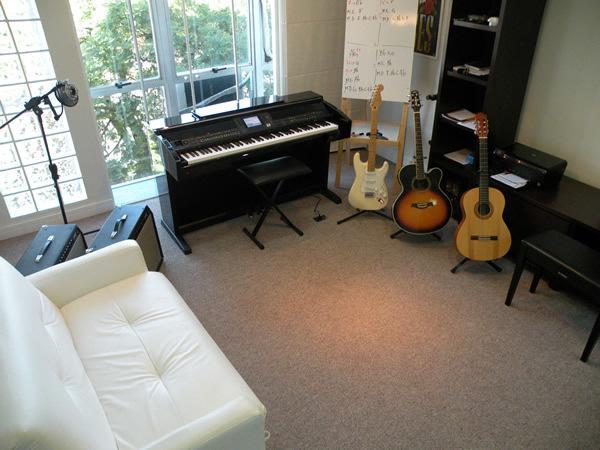 Aulas de teclado, bateria, flauta doce e violão com 25% de
