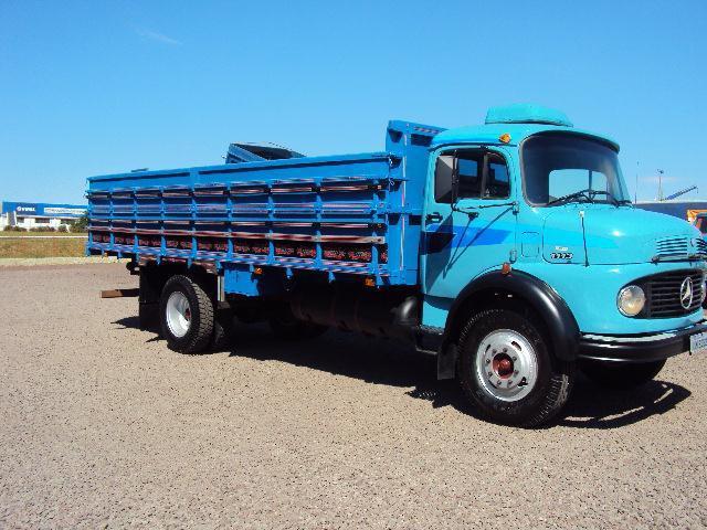 Caminhão mb 1113 ano 1982 toco direção turbo
