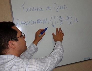 Cálculo diferencial, álgebra linear, geometria analítica