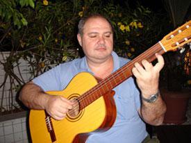 Curso de violão e canto prof roberto maron