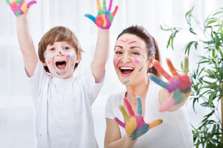 Ofereço serviços de babá/ cuidadora