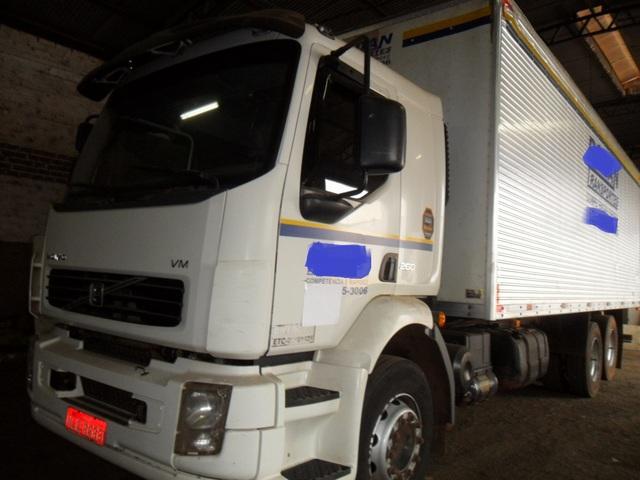 Volvo vm 260 truck no bau unico dono 300 mil