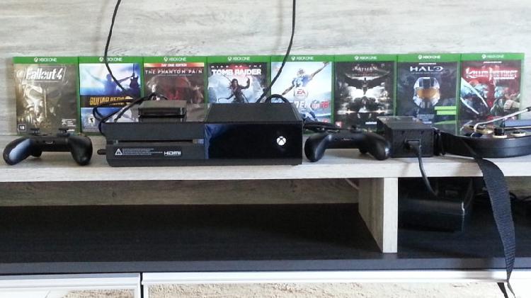 Xbox one 500gb + 2 controles
