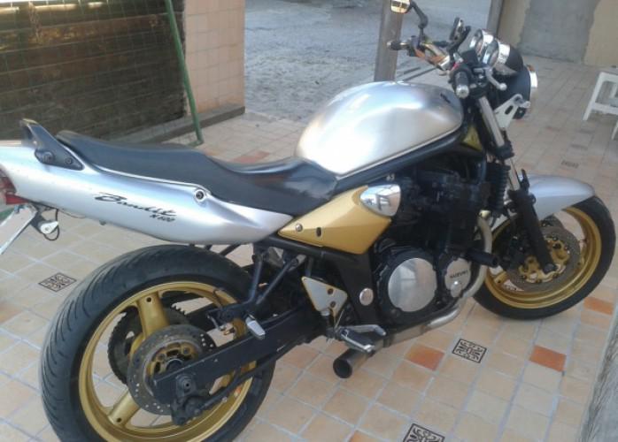 Suzuki bandit 600cc ano 2005 troco carro moto ou repasso