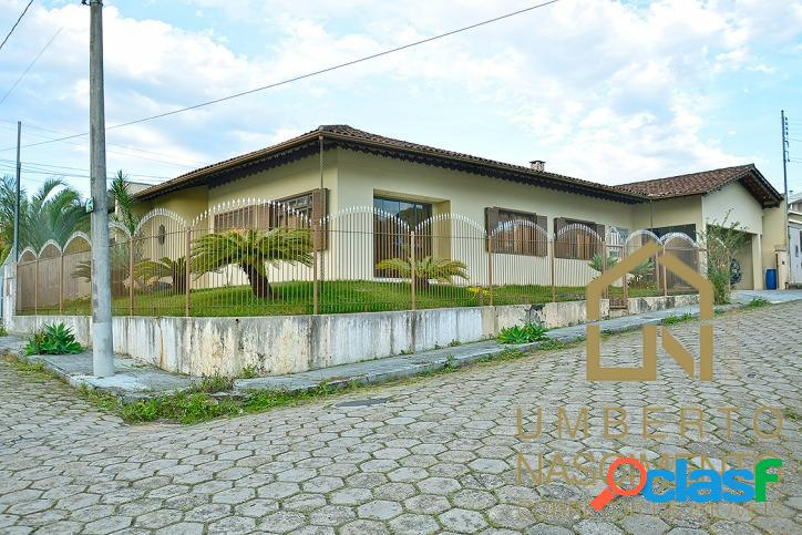 Casa com 4 quartos no bairro velha em blumenau, santa catarina