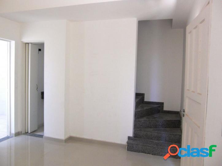 Casa com 3 quartos à venda na V.Antonieta, 91 m² por R$455.000,00