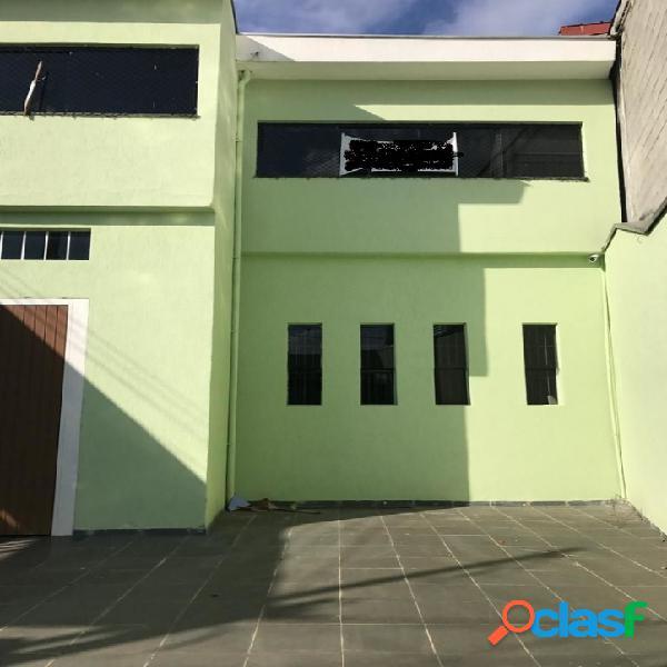 Sobrado com 4 dormitórios à venda no Tremembé, 560 m² por R$750.000,00